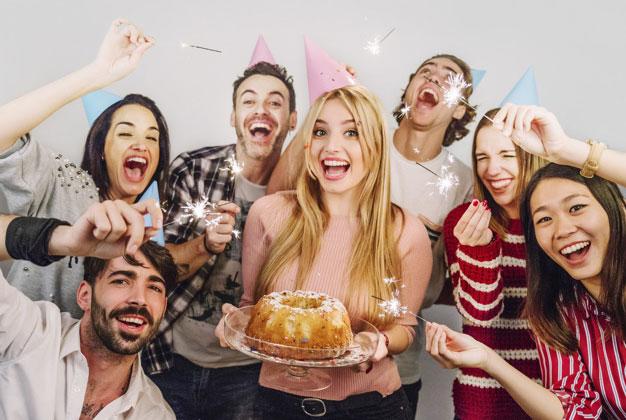 Anniversaire surprise 5 conseils pour garder le secret jusqu au bout - Organiser un anniversaire surprise ...