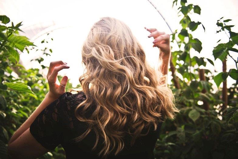 coiffure communion cheveux longs
