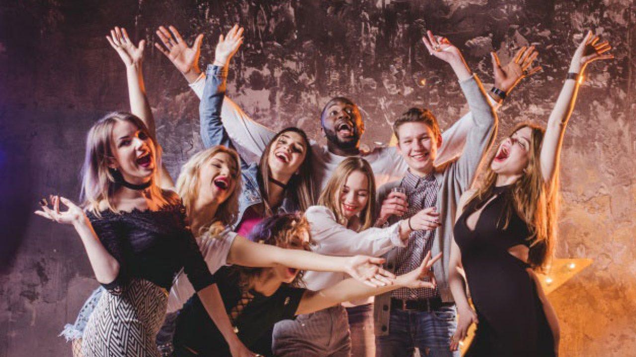 Comment Organiser Un Party D Ado pour l' anniversaire 18 ans : quelle surprise réserver à