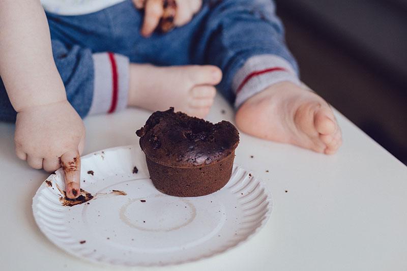 Bébé mange de tout