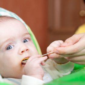 Comment varier l'alimentation de votre nourrisson les premiers mois ?
